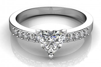 Things You Should Know When Buying Diamond Rings